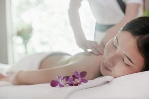 động tác massage xoa bóp cơ thể