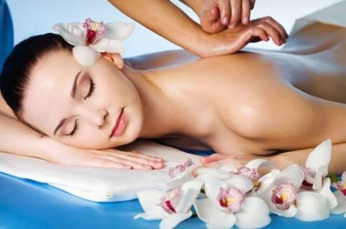 massage toàn thân bằng cách xoắn