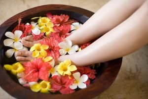 soak your feet before massage to help your legs slim, firm