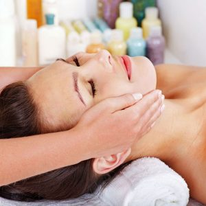 Facial massage with Essential oil safely and effectively