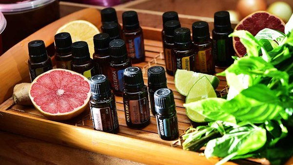 nên chọn tinh dầu nào để massage mặt