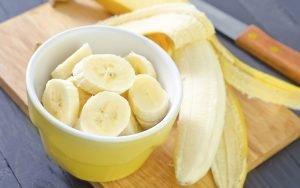 chuối – chứa nhiều vitamin chống lão hóa
